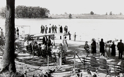Visitors to Wintergreen Lake in the 1930s